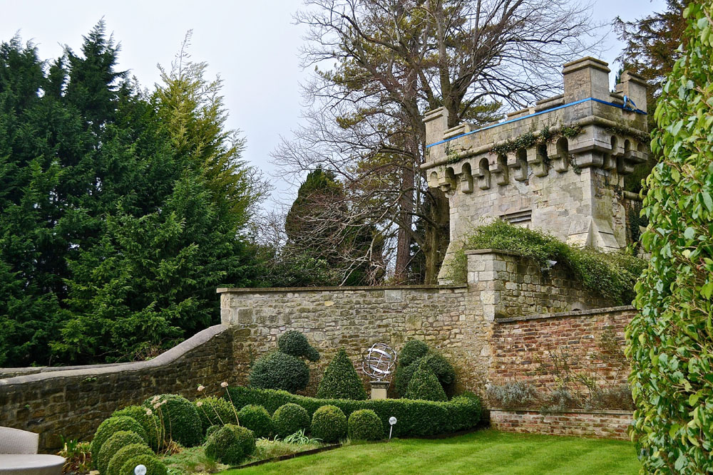 The Hidden Gardens of Bath Tours