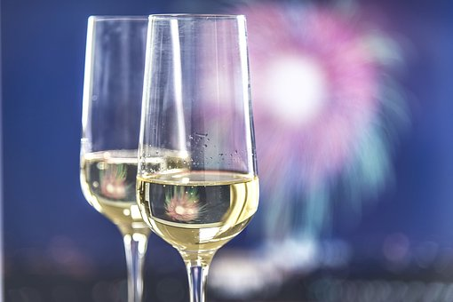 Free Bottle of Bubbly for NYE Stays